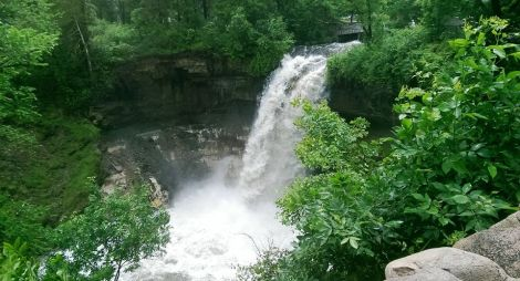 minnehaha falls from above